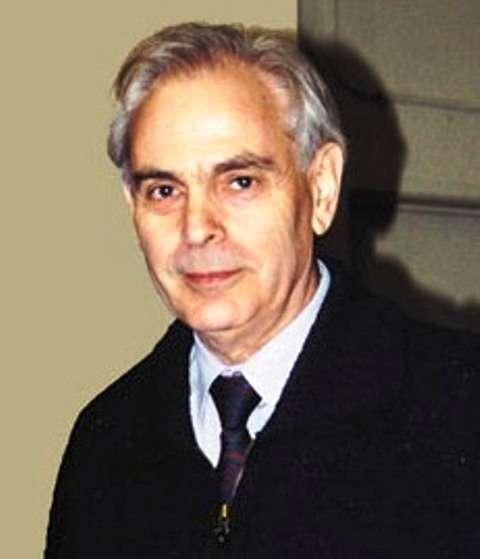 Lev Okun (1929-) est un physicien russe dont les travaux sur la physique des particules élémentaires sont bien connus. On lui doit le terme de hadron désignant toutes les particules faites de quarks et de gluons comme les nucléons, les mésons et les hypérons. © Cern