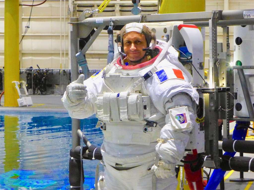 Hervé Stevenin, instructeur de l'Agence spatiale européenne qui dirige l'entraînement aux sorties extravéhiculaires des astronautes européens au Centre européen des astronautes, à Cologne (EAC). © Nasa