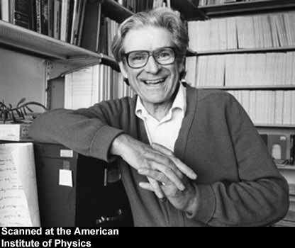 Edwin Salpeter dans son bureau de l'université de Cornell. Crédit : Emilio Segrè Visual Archives