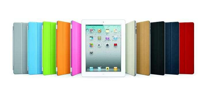 Disponible en de nombreux coloris, l'accessoire Smart Cover se fixe à l'iPad 2 via des aimants intégrés. Il protège l'écran et met automatiquement l'appareil en veille. © Apple