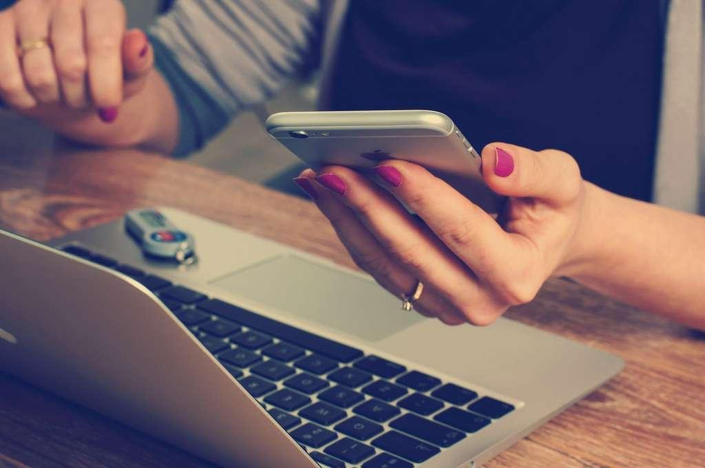 Les métiers de l'informatique sont amenés à évoluer avec les innovations technologiques. © seniordev, Pixabay