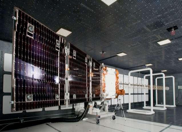 Un satellite OG2 d'Orbcomm vu déployé tel qu'il le sera en orbite. © Sierra Nevada