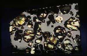 Une météorite est un corps rocheux extraterrestre tombant sur Terre. © DR