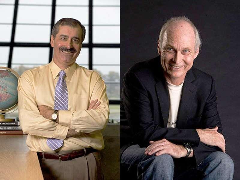 De gauche à droite, Rocky Kolb et Michael Turner sont deux célèbres astrophysiciens travaillant aux frontières de la cosmologie et de la physique des particules élémentaires. Leur monographie The Early Universe est un ouvrage de référence. © Fermilab