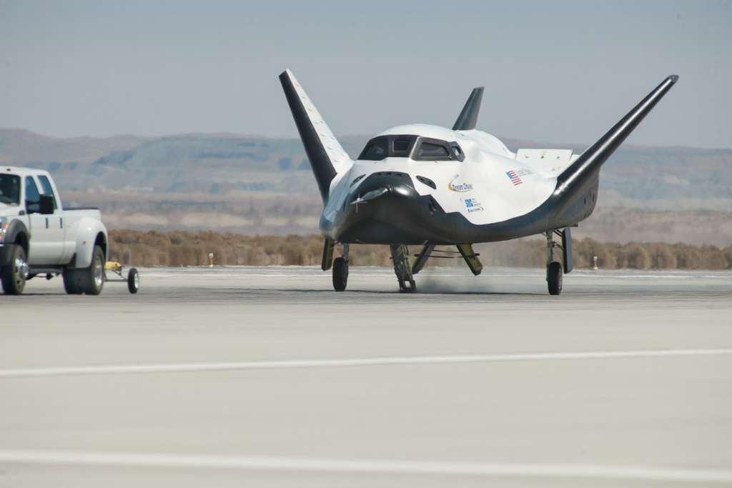 À la différence de Boeing et SpaceX qui parient sur la capsule habitable, Sierra Nevada a choisi un engin réutilisable en forme d'avion. © Carla Thomas, Nasa