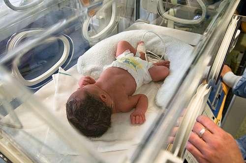 L'exposition des femmes enceintes aux HAP augmente le risque d'accouchement prématuré de 30 %. © inferis, Flickr CC by nc-sa 2.0