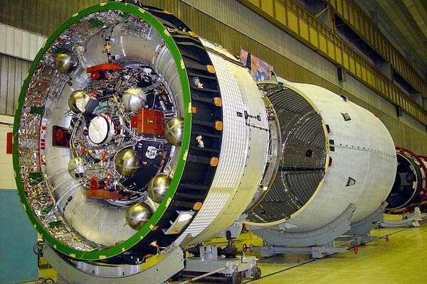 L'étage supérieur Breeze-M incriminé dans l'échec du dernier lancement d'un Proton. En 2007 et 2010, deux étages Breeze avaient explosé dans l'espace, comme ce 16 octobre 2012. © Khrunichev