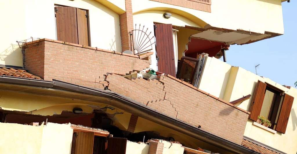 Effet d'un tremblement de terre sur un immeuble. © Cobain86 CCO