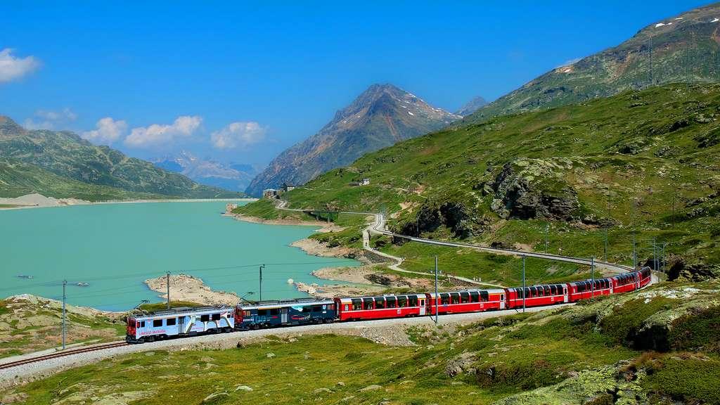Le Bernina Express, un train en hiver