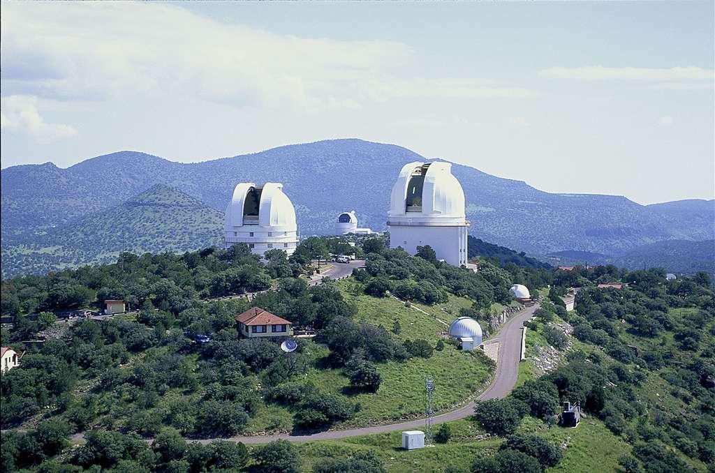 Pour découvrir des exocomètes, les astronomes ont utilisé le spectrographe installé sur le télescope de 2,1 m de l'observatoire McDonald, au Texas. Objectif : détecter les raies d'absorption des gaz cométaires dans le spectre des étoiles étudiées. © Observatoire McDonald