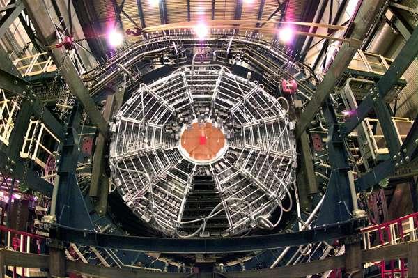 Une vue du détecteur Star du RHIC. Il permet d'explorer la physique des collisions d'ions lourds. © Brookhaven National Lab
