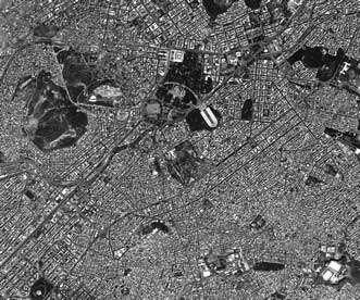 L'Athènes antique : de gauche à droite, le Pnyx, l'Acropole, le Stadium