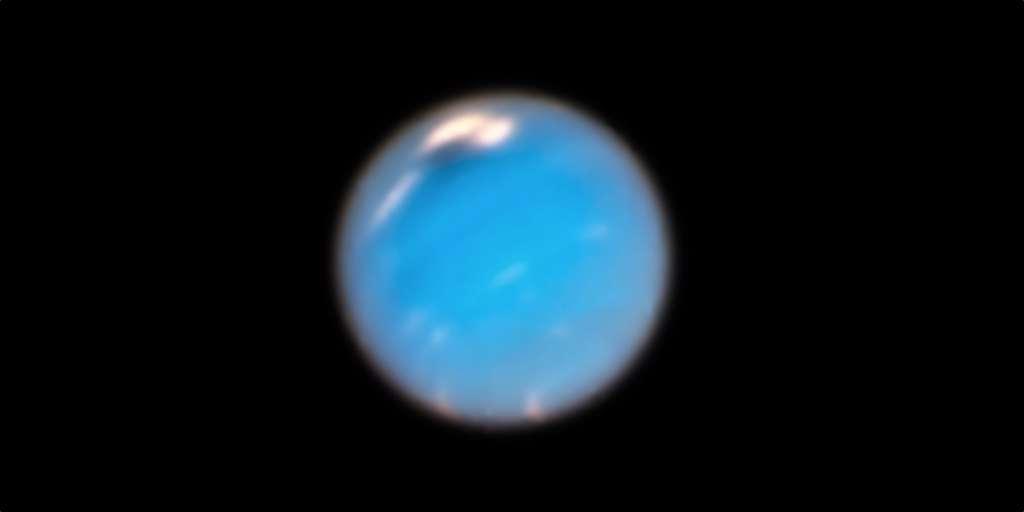 En 1989, Voyager 2 avait identifié deux tempêtes sur Neptune. Depuis son lancement en 1990, Hubble en avait enregistré quatre autres. Et aujourd'hui pour la première fois, des chercheurs ont analysé ces images afin de décrire la croissance de l'une d'entre elles. © Nasa,ESA, GSFC, JPL