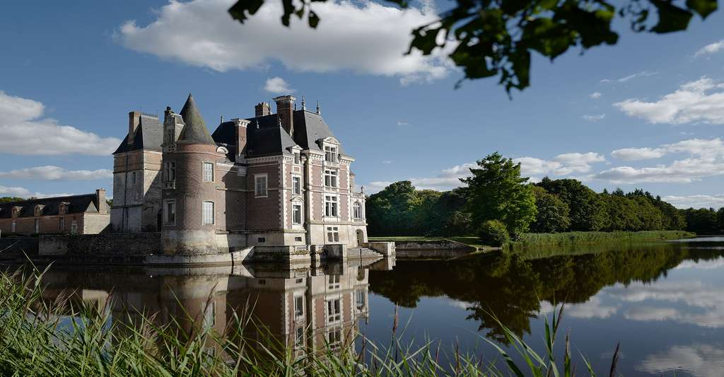 Château de La Bussière, Loiret. © Herve55, Wikimedia commons, CC by-sa 4.0