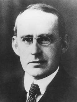 Arthur Stanley Eddington (Crédit : American Institute of Physics Niels Bohr Library)