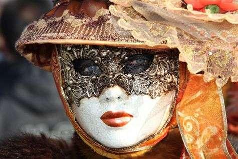 Cliquez sur la grande image pour découvrir le Carnaval de Venise en diaporama ou bien cliquez sur les vignettes pour admirer en détail cette grande fête.