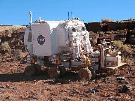 Le prototype de véhicule lunaire dans le désert d'Arizona. Crédit Nasa
