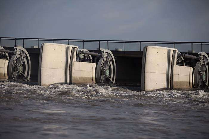 Vannes du barrage du Couesnon