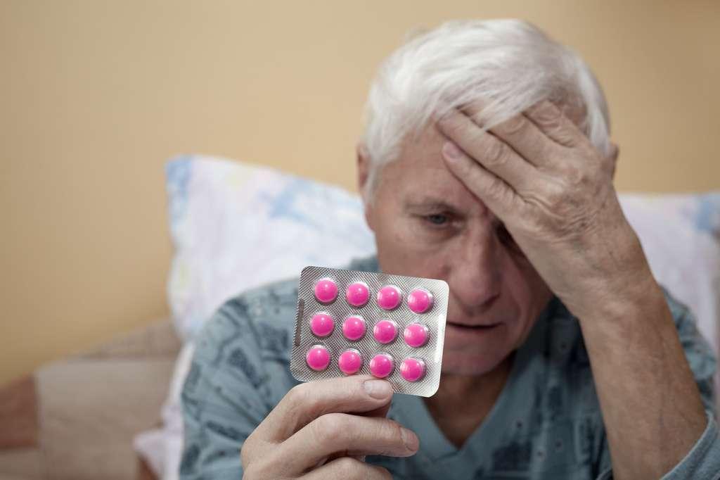 L'ibuprofène est prescrit en cas de fièvre, maux de tête, douleurs articulaires et musculaires. © JanMika, Fotolia
