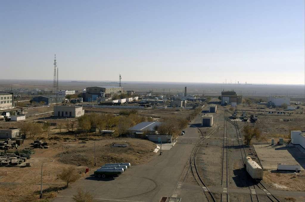 Les vues aériennes du cosmodrome Baïkonour sont très rares. Celle-ci a été prise depuis le pas de tir des vols habités Soyouz. Au fond, on distingue un autre pas de tir. © Esa/S. Corvaja