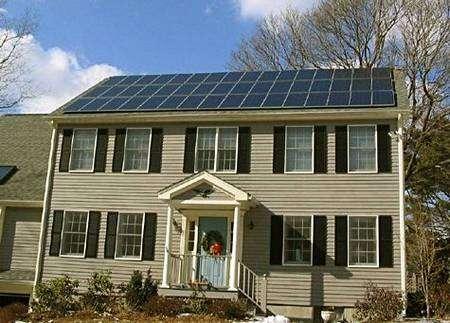 Une maison solaire aux Etats-Unis, totalement indépendante sur le plan énergétique. Source Commons