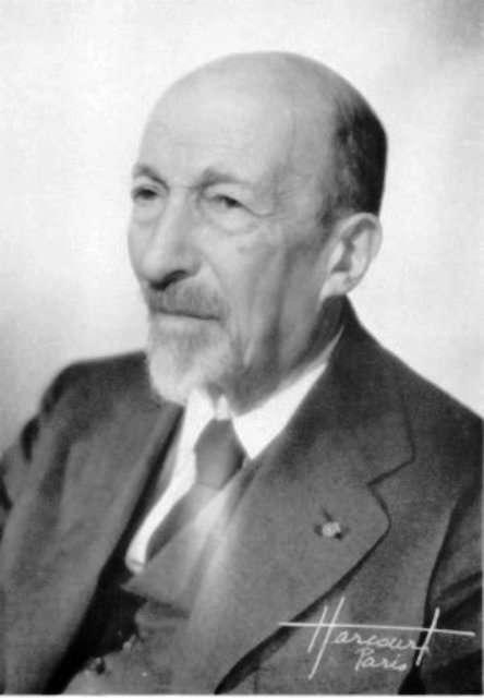 Jacques Salomon Hadamard (1865-1963) est un mathématicien français, connu notamment pour ses travaux en théorie des nombres. On lui doit la transformée d'Hadamard, qui a de nombreuses applications ou conséquences en théorie de l'information quantique et en cryptologie. © DP