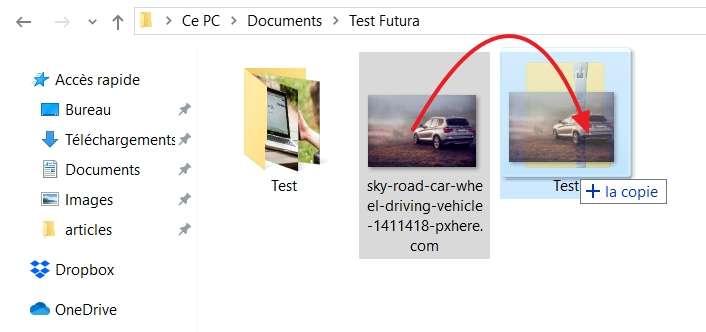 Ajoutez des fichiers à votre archive d'un simple glisser-déposer. © Microsoft