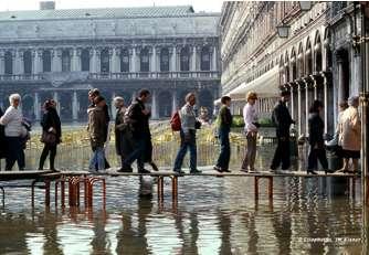 Figure 3 : Acqua alta à Venise.