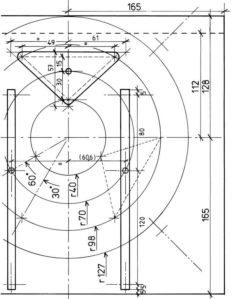 Découpe du fond de la caisse du primaire et plan du barillet. © P. Strock.