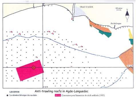 Exemple de disposition des récifs de protection antichalutage en Languedoc, en Agde (200 modules disposés à intervalle régulier). © E. Charbonnel