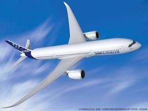 L'A350 XWB (pour eXtra Wide Body, depuis la modification du projet en 2006, qui a conduit à élargir le fuselage), un projet d'avion long courrier biréacteur, utilisant largement les matériaux composites, notamment pour les ailes. La commercialisation est prévue pour 2013. © Airbus