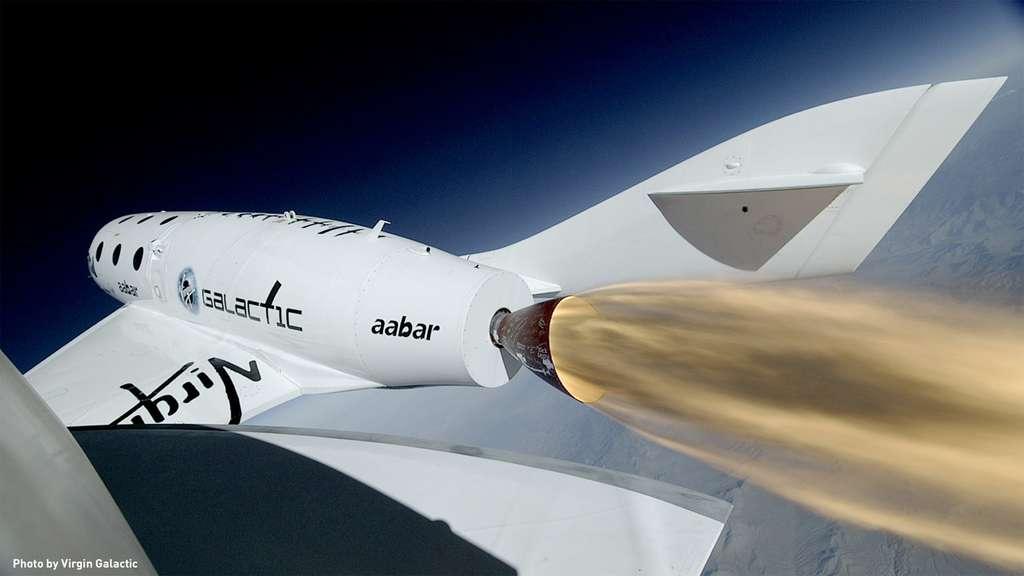 Envisagée courant 2015, l'ouverture du service commercial de Virgin Galactic est reportée de plusieurs années. © Virgin Galactic