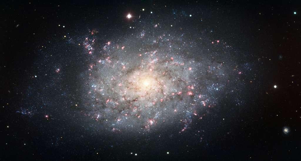 La galaxie NGC 7793 contenant le microquasar. Crédit : ESO