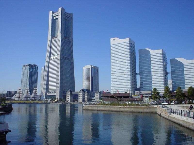 Le Minato Mirai 21, quartier d'affaires de la ville de Yokohama, au Japon