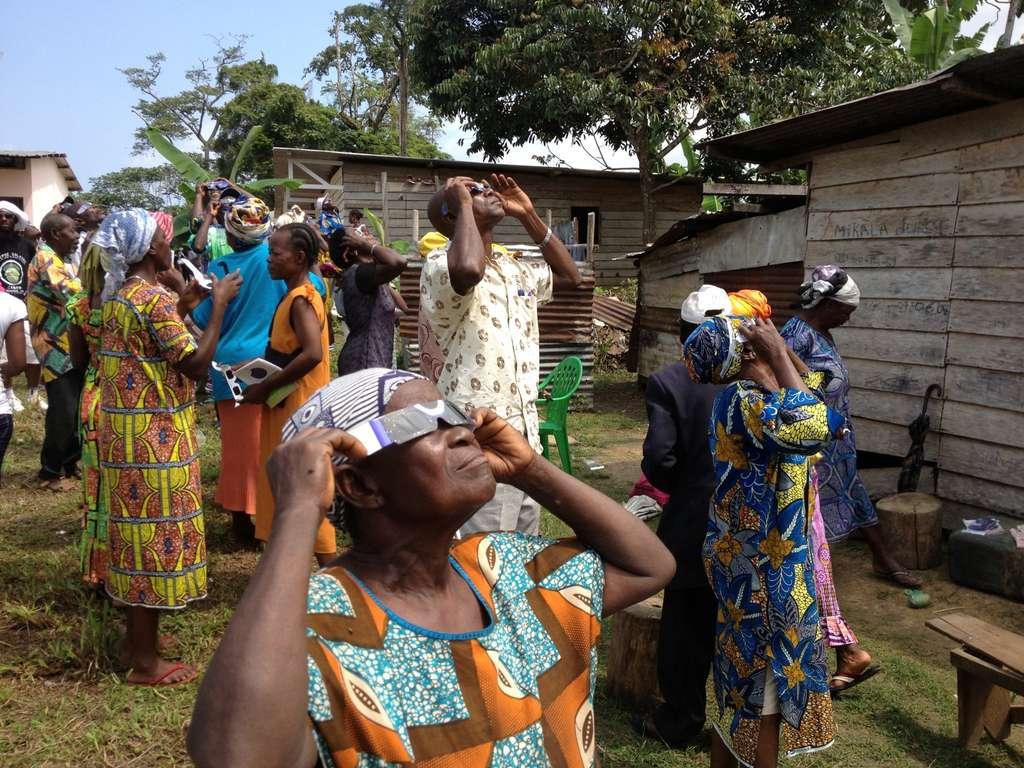Au Gabon, on a suivi l'éclipse. Au nord de la centralité, là où a été prise cette photo, elle était partielle. © Désiré Minkoh