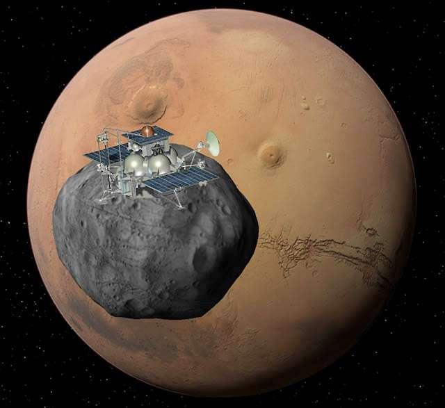 À seulement 6.000 kilomètres d'altitude, Phobos est une des deux lunes de Mars. Avec des formes très irrégulières (27 x 22 x 19 km), elle fait partie des lunes les plus petites du Système solaire. © Roscosmos