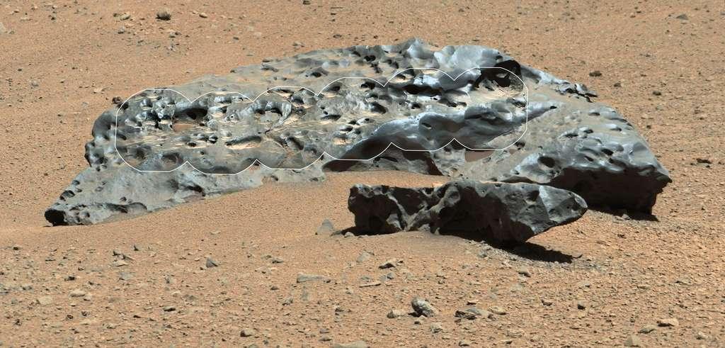 Curiosity observe une météorite sur Mars