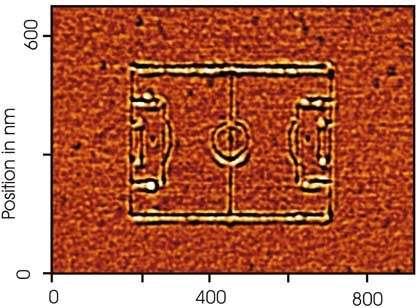 Le numéro deux : un terrain de 510 nanomètres sur 380, qui a été dessiné par Matthias Kahl et Jörg Merlein, de l'université Konstanz (Crédits : M. Kahl / J. Merlein / Uni Konstanz)