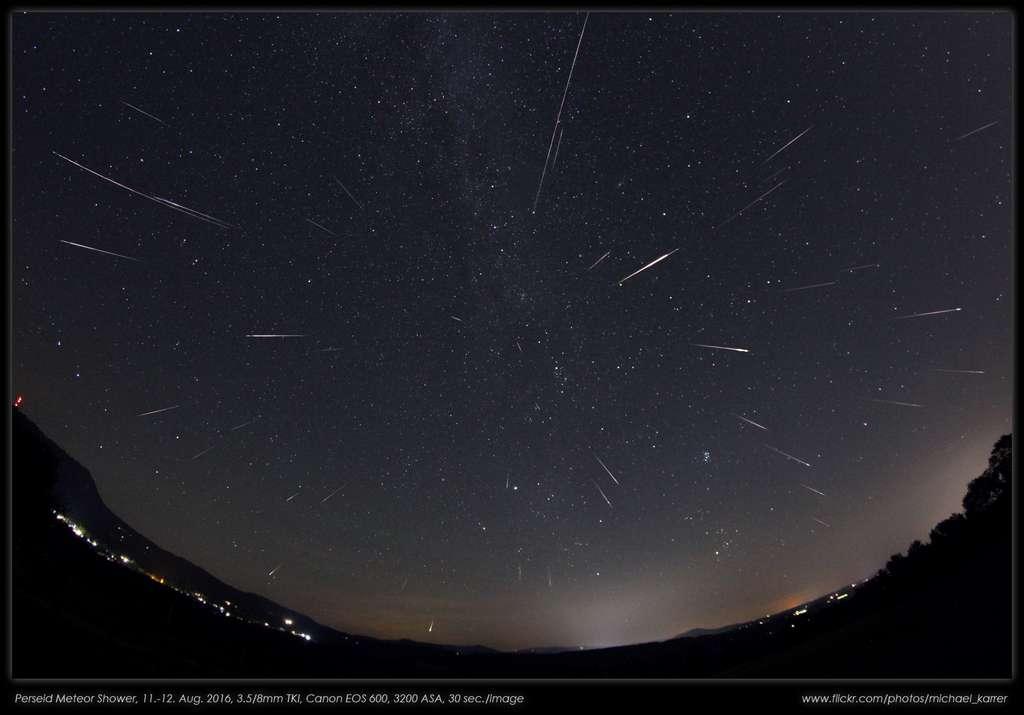 C'est l'heure d'observer la pluie d'étoiles filantes des Perséides ! © Michael Karrer, Apod (Nasa)