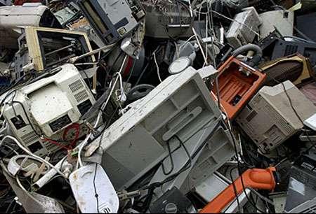 Chaque Européen produit entre 17 et 20 kg de déchets électriques et électroniques par an. Le taux de croissance annuel de ces déchets est de 3 à 5 %. © Laurent Mignaux - Medd