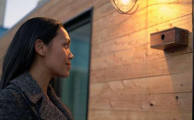 Parmi les technologies présentes dans la maison « intelligente » d'Intel, une caméra couplée à un système de reconnaissance faciale contrôle l'ouverture de la portée d'entrée. © Intel
