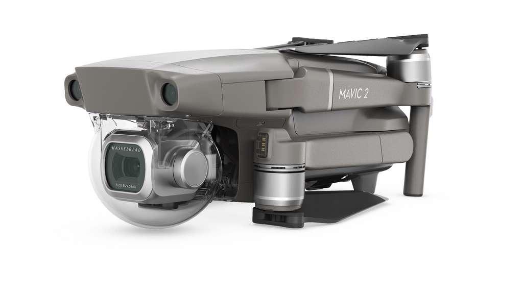 Le Mavic 2 de DJI est le drone quadrirotors compact parfait pour les amateurs qui souhaitent aller plus loin. Contrairement aux drones-jouets, il ne finira pas dans un placard en raison de ses capteurs, de sa stabilité et de sa fiabilité. © DJI