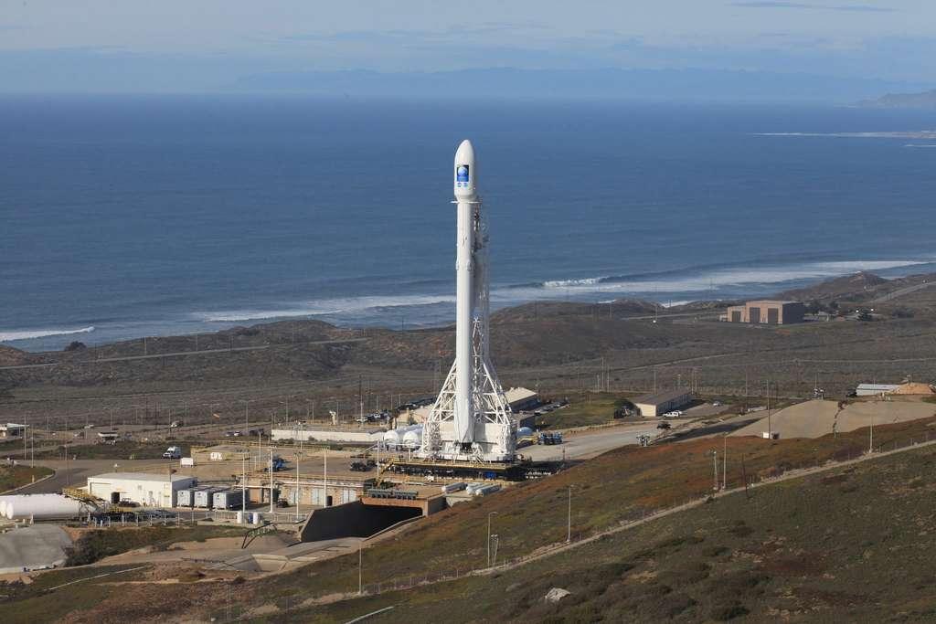 Falcon 9 avec à son bord le satellite Jason 3. © Nasa