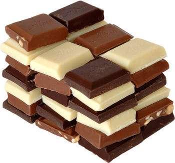 Toutes sortes de chocolat peuvent être réalisées à partir de la pâte de cacao. © André Karwath aka Wikipedia