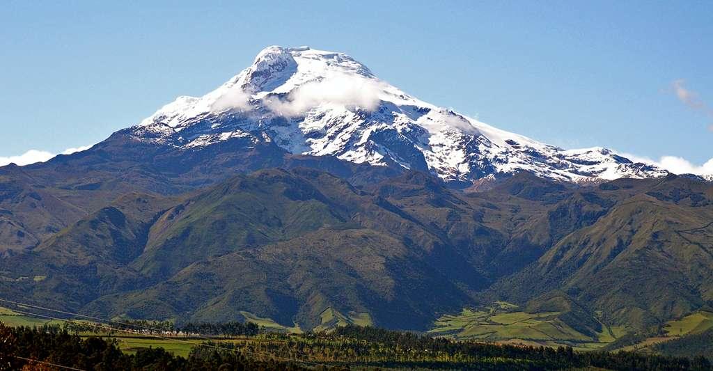Vue du volcan Cayambe (5790 m), Equateur. © Kryptonit - Domaine public