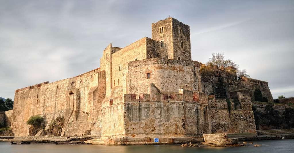 Quels sont les lieux d'intérêt à voir dans les Pyrénées-Orientales ? Ici, le château de Collioure. © Patrick S. Flickr, CC by-nc 2.0