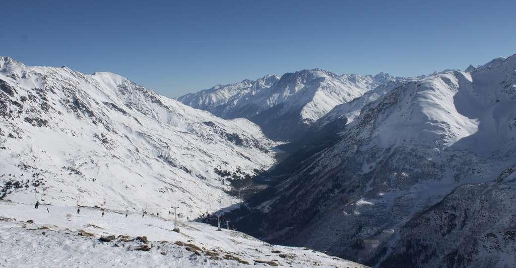 Que faire si vous êtes pris dans une avalanche ? © IVVIVVI, Shutterstock