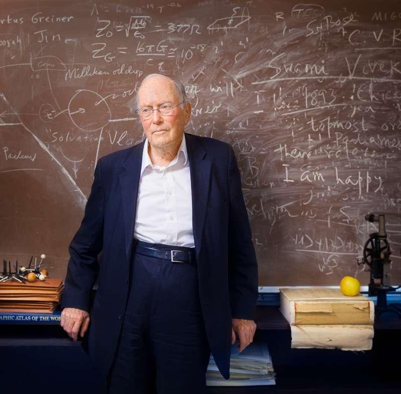 Charles Townes (1915-2015 ) a obtenu le prix Nobel de physique de 1964 (avec Nikolaï Bassov et Alexandre Mikhaïlovitch Prokhorov) pour des travaux fondamentaux en électronique quantique, notamment sur le maser et le laser. © Elena Zhukova, UC Berkeley