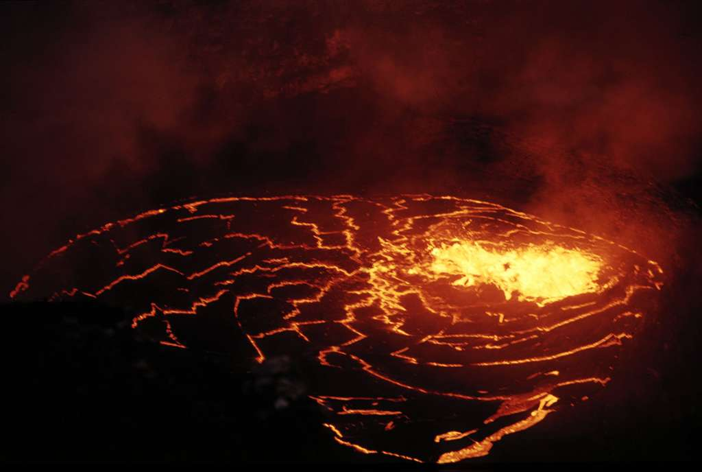 Le lac de lave du Pu'u O'o à Hawaï, en 1993. © Jacques-Marie Bardintzeff, tous droits réservés