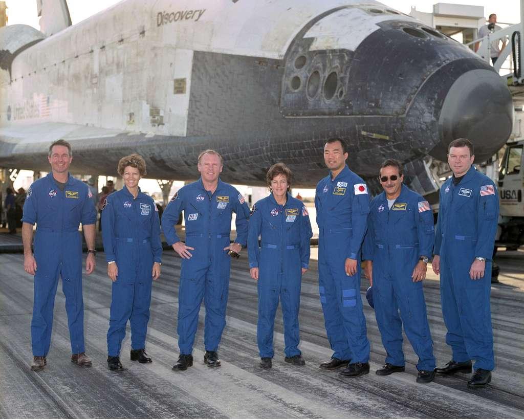 L'équipe de Discovery de retour sur Terre